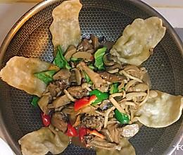 #人人能开小吃店#蘑菇鸡贴饼子|地锅鸡|贴出薄薄有嚼劲的锅饼的做法