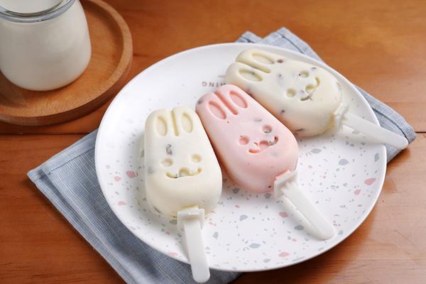 自制雪糕,给孩子吃的美味又安心——牛奶小布丁雪糕