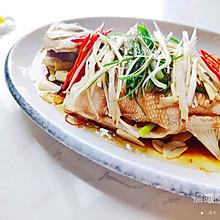 超级鲜嫩的清蒸鲈鱼家常做法
