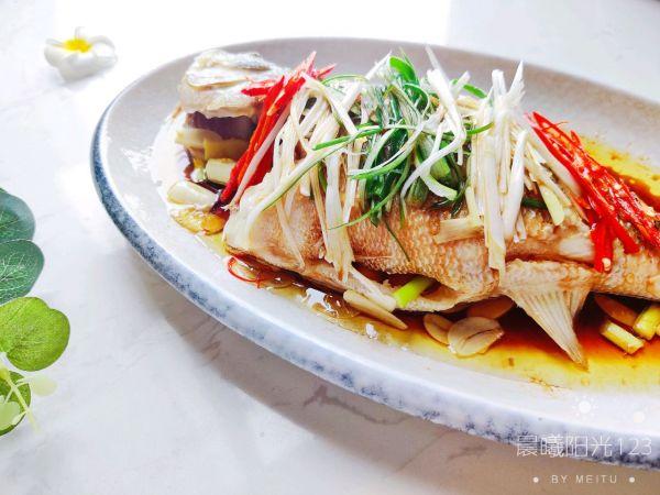 超级鲜嫩的清蒸鲈鱼家常做法的做法