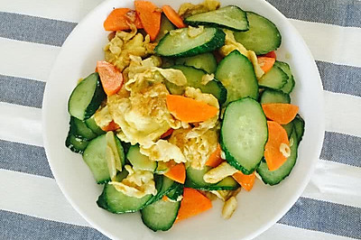 胡萝卜黄瓜炒鸡蛋
