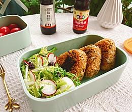 照烧海苔肉松饭团的做法