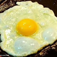 菠菜煎蛋面的做法图解1