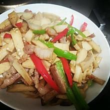 家常千页豆腐炒鸡腿菇
