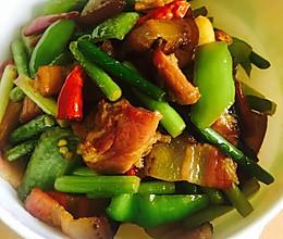 蒜苔炒腊肉(乡里人家)的做法
