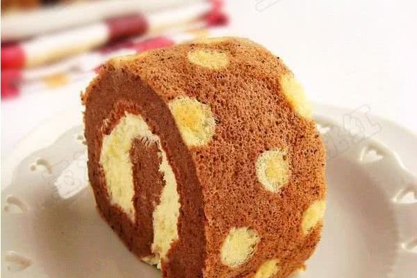 可可奶油波点蛋糕卷  的做法