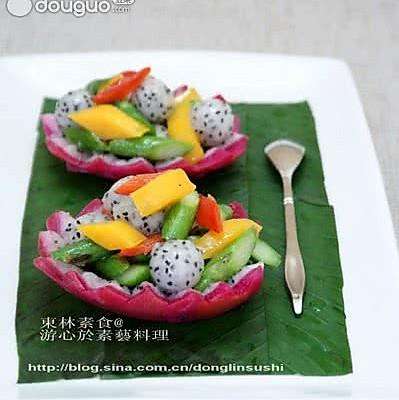 火龙果炒芦笋的做法