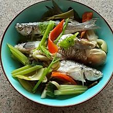 酸菜杂鱼汤