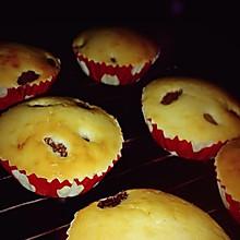 葡萄干脆皮小蛋糕