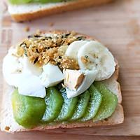 水果雞蛋肉松開放式三明治早餐的做法圖解6