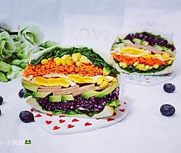 牛油果鸡蛋蔬菜瘦身三明治的做法