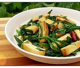 【韭菜豆腐干】清新健康小菜 夏日必备~·的做法