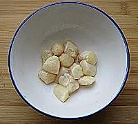 鲜贝冬瓜汤的做法图解2