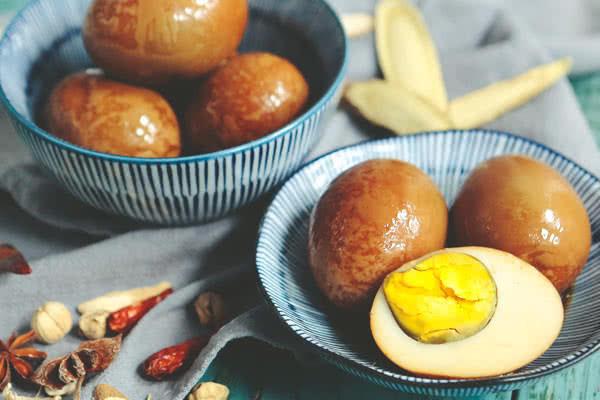 来一颗五香卤蛋,品味淡淡的幸福的做法