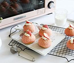 粉粉少女心的草莓泡芙的做法