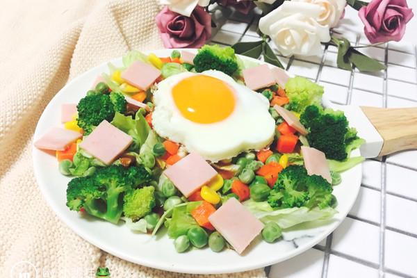 沙拉沙拉~简单的沙拉的做法