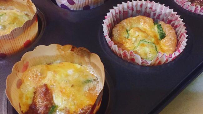 生酮饮食-烤秋葵牛肉杯蛋的做法