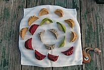 视频教你变着花样儿包饺子:五种颜色八种包法的做法