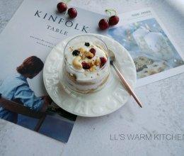 秀出你的早餐:自制酸奶杯的做法