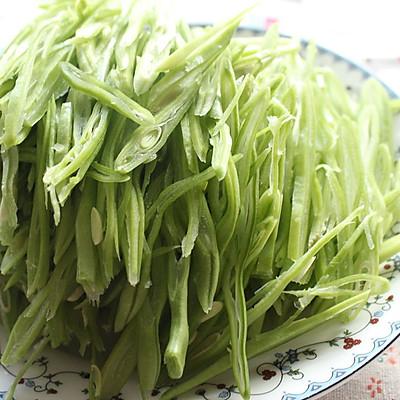 #菁选酱油之干锅油豆角的做法 步骤1