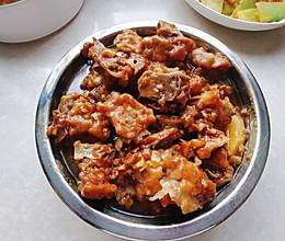 米粉蒸土豆排骨的做法