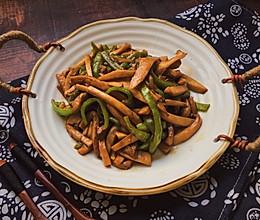 #换着花样吃早餐#青椒炒杏鲍菇的做法