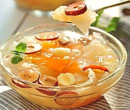 掌握五点银耳快速熬出胶——煮一锅美容瘦身的木瓜银耳羹的做法