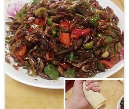 青椒炒小干虾的做法