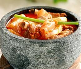 辣尚瘾:排骨年糕泡菜锅的做法