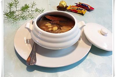 土茯苓扁豆大骨汤