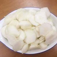 芥菜片炒香菇肉丝的做法图解1