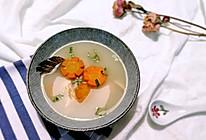 #冬日暖饮# 胡萝卜三文鱼头汤的做法