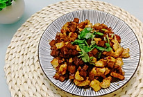 超下饭的煎土豆炒鸡丁的做法