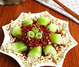 莴笋金针菇卷的做法
