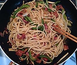 黑椒菜椒洋葱意面的做法