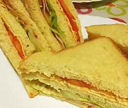 培根鸡蛋三明治的做法