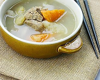 苹果雪梨胡萝卜猪骨汤