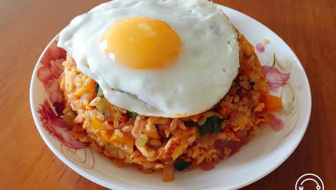 减肥餐--辣白菜时蔬糙米饭