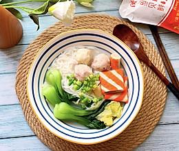 #夏日消暑,非它莫属#鱼丸米线的做法