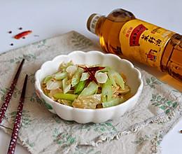 炝炒西芹油豆皮#金龙鱼外婆乡小榨菜籽油 外婆的时光机#的做法