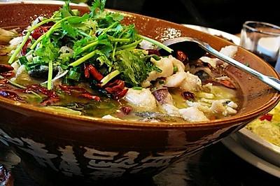 酸菜花鲢鱼片