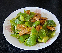 #橄榄中国味 感恩添美味# 青椒炒火腿的做法