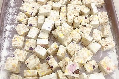 酸奶燕麦牛轧糖