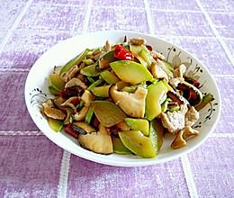 西葫芦香菇炒肉片#鲜香滋味 搞定萌娃#