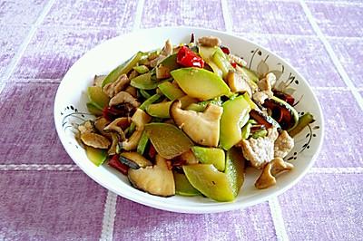 西葫芦香菇炒肉片