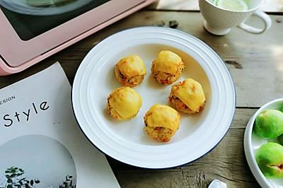 巨好吃—咸蛋黄肉松奶酪饭团