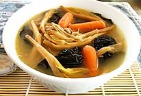 黃花菜木耳煲猪骨汤的做法