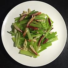 北极贝炒芹菜