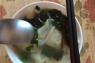 韭菜鱿鱼鲜肉馄饨