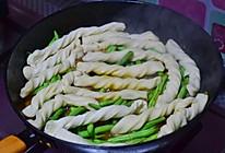 肉锅粘卷子的做法